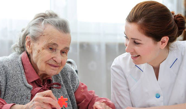 Memory loss in old age: How friendships and lifestyle can protect us from dementia
